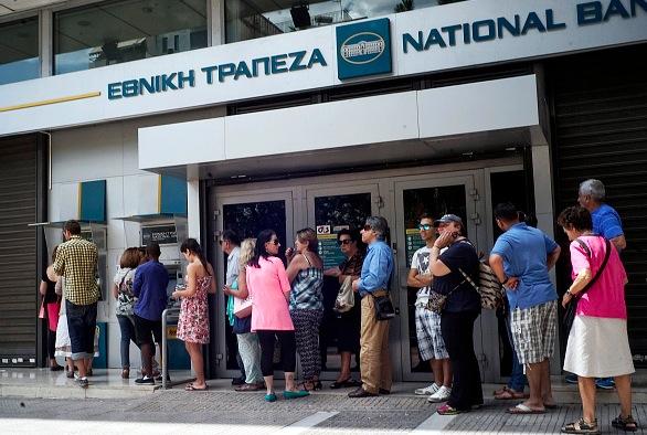 Liquidity2_Greece_Queue